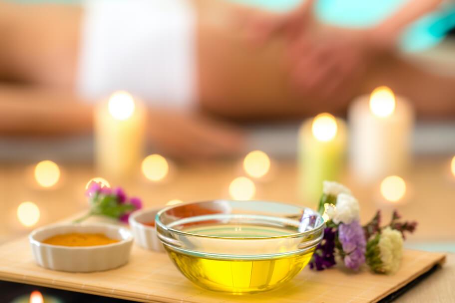 Schale mit Oel - Massage